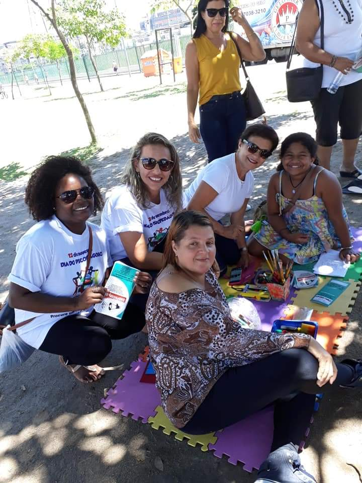PSICOPEDAGOGOS REALIZAM ATIVIDADES AO AR LIVRE NO RIO DE JANEIRO