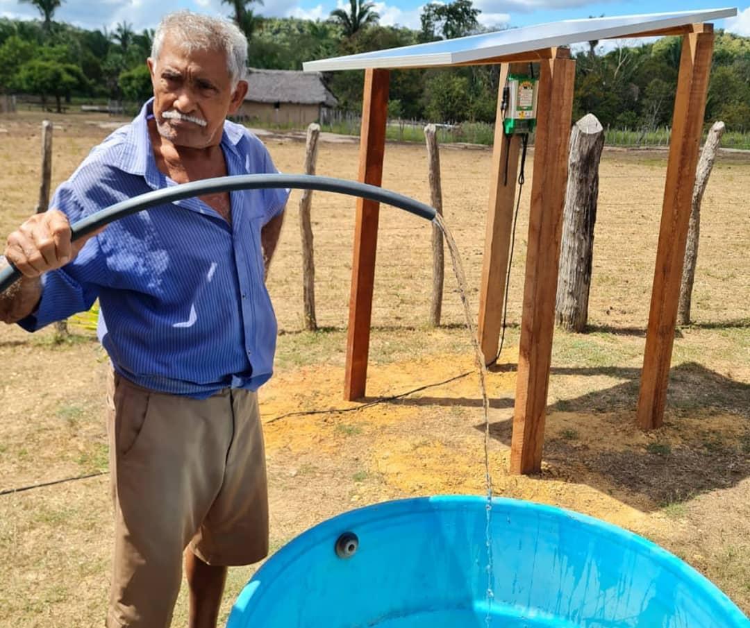 Comunidade Barbosa, em José de Freitas, passa a ter acesso a abastecimento após 50 anos (foto: Instagram @canindesolar)